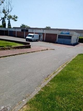 local d'activité 450 m2 situé a WAVRIN