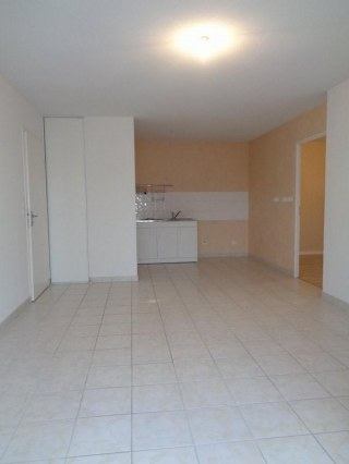 Nevers T3 55m² balcon et parking privatif