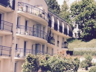 STUDIO 32M² PARKING ET BALCON