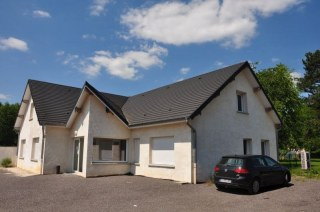 ENSEMBLE IMMOBILIER SUR 3 HA