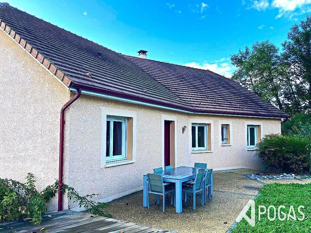 Proche Brive La Gaillarde - Plain pied 6 pièce(s) 130 m2 avec jardin