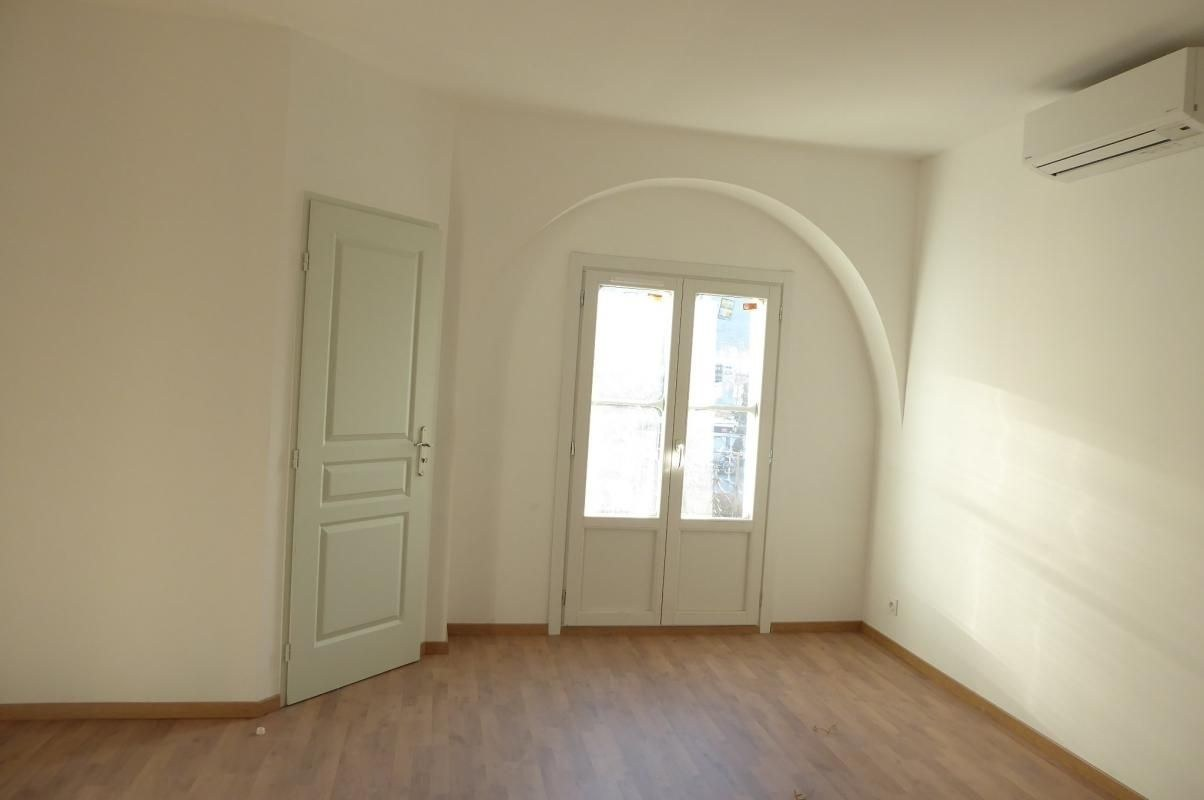 APPARTEMENT TRES LUMINEUX