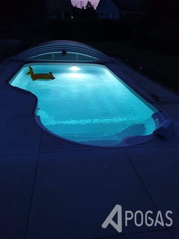 Maison rénovée avec piscine et terrain