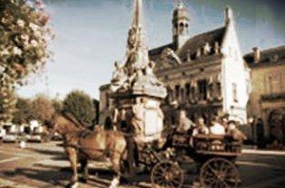 Place de l'hôtel de ville (Fontaine couronnement Charlemagne)