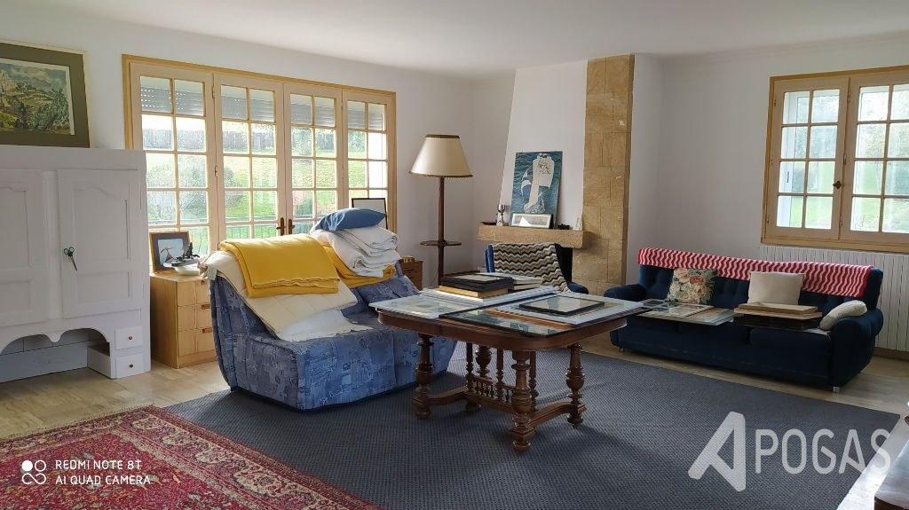 Maison  8 pièce(s) 260 m2