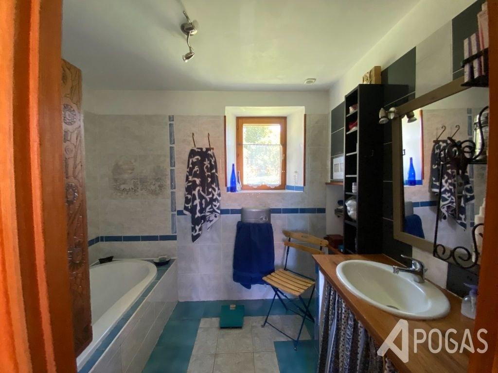 Corps de Ferme avec gîte et chambre d'hôtes sur 1,7  hectares
