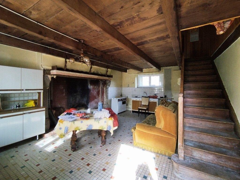 Maison à la campagne avec jardin et garage