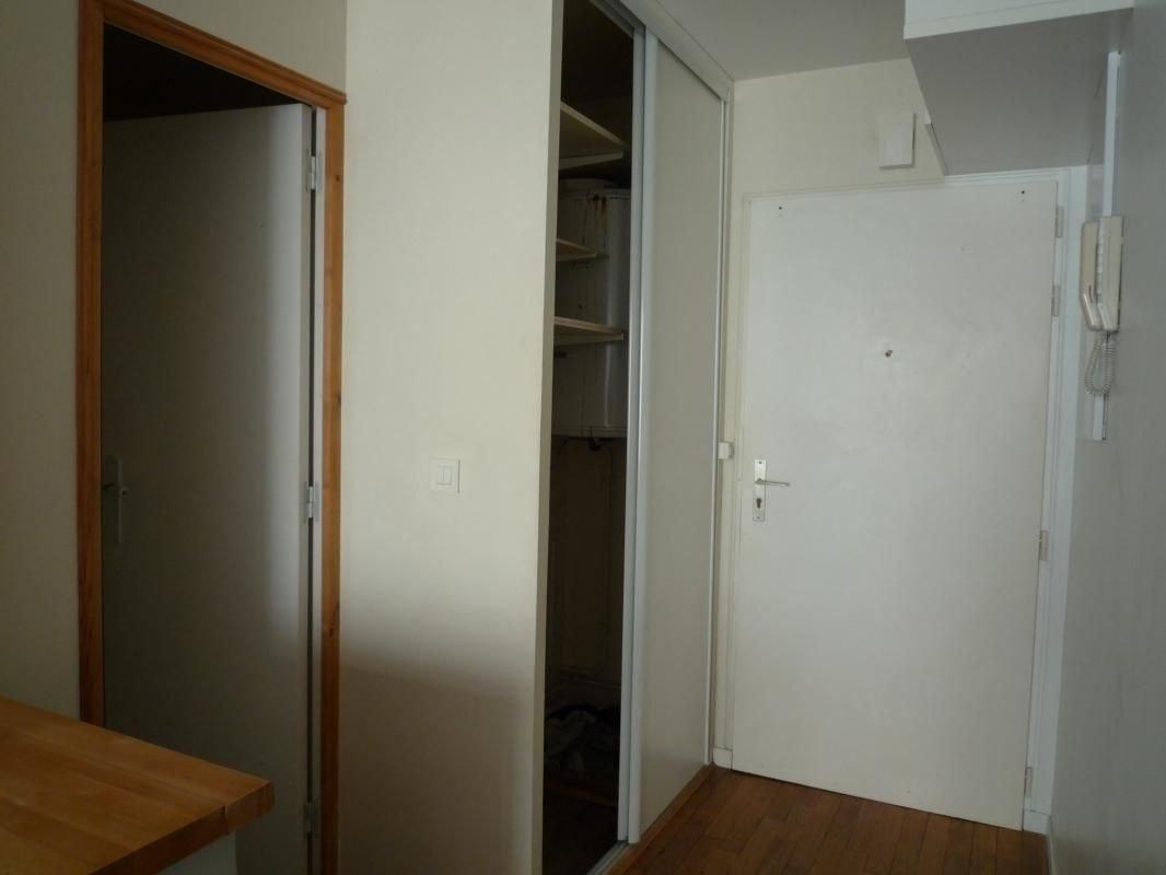 Appartement - Studio et cave - 23 m2