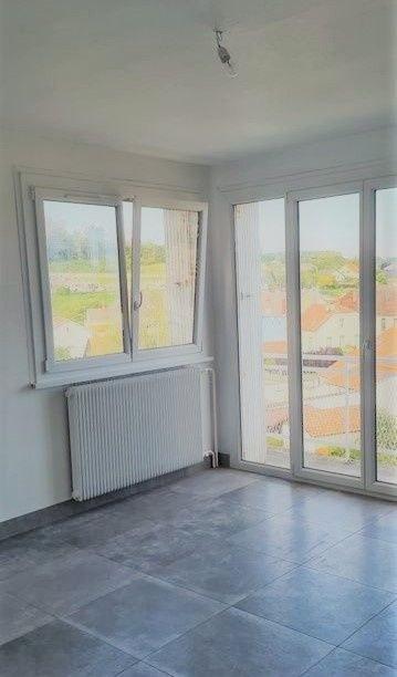 Appartement F3 avec cuisine équipée et balcon