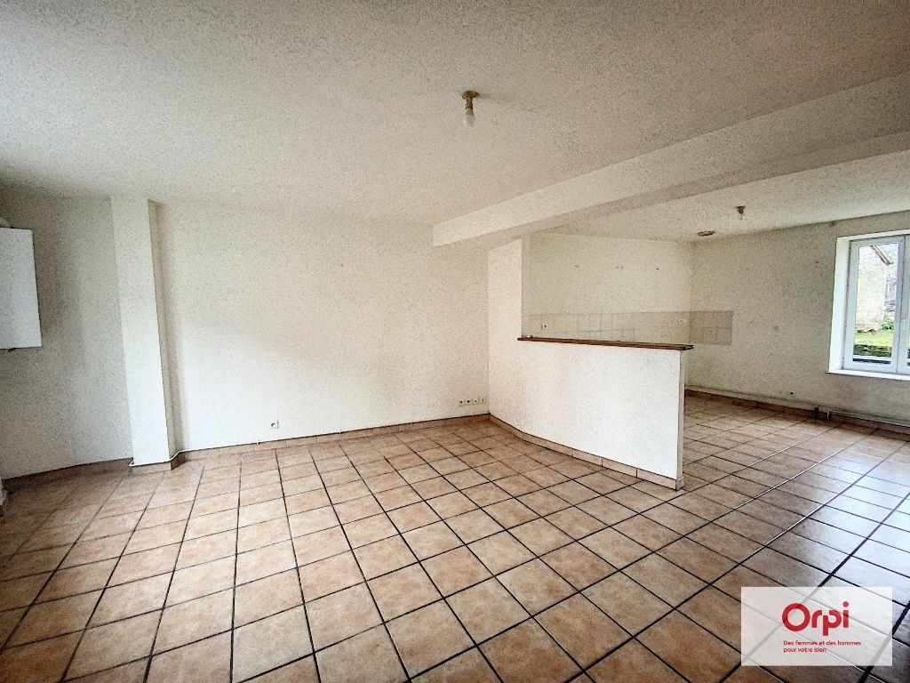 APPARTEMENT - COMMENTRY