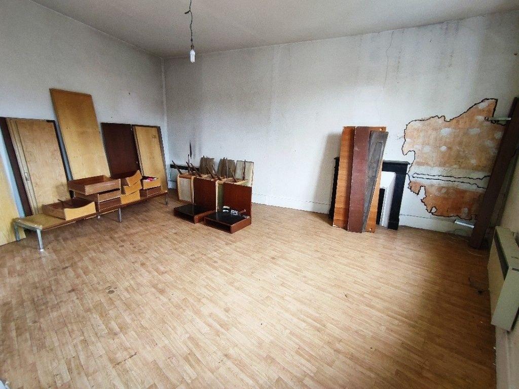 Immeuble Aubusson 7 pièce(s) 200 m2
