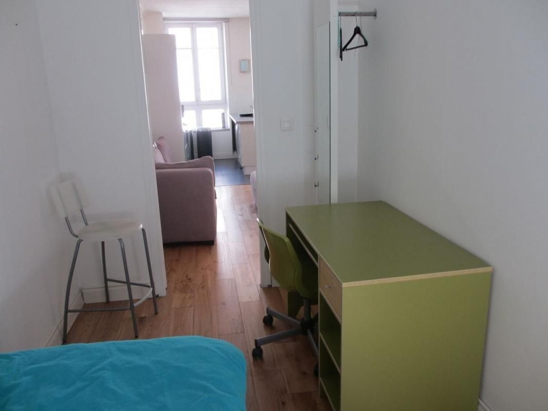 F3 hyper centre meublé