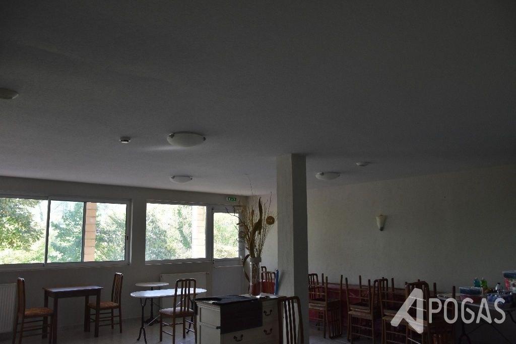 IMMEUBLE - ANCIEN HOTEL sur 25000m2
