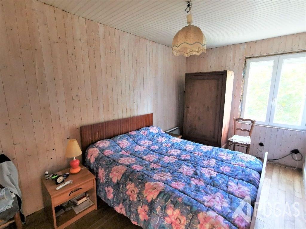Maison sur terrain d'environ 800 m2
