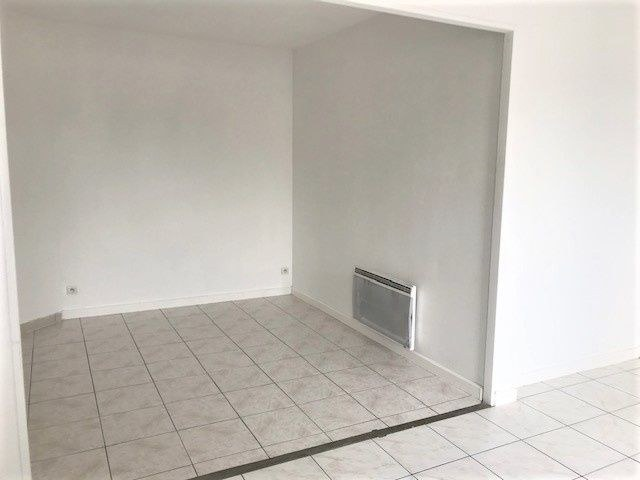 STUDIO  23,43 m² + 2 PARKINGS + cave
