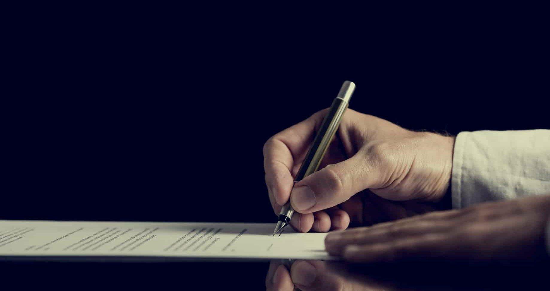 signature contrat de construction