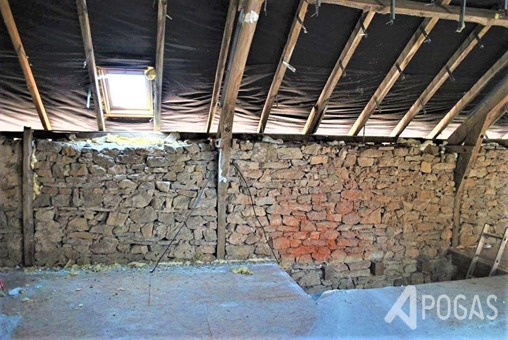 Grange à restaurer sur terrain d'environ 1539 m2