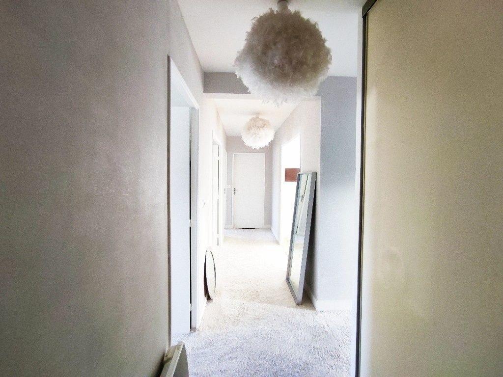 Appartement Aubusson 4 pièce(s) 92 m2 avec parking et cave