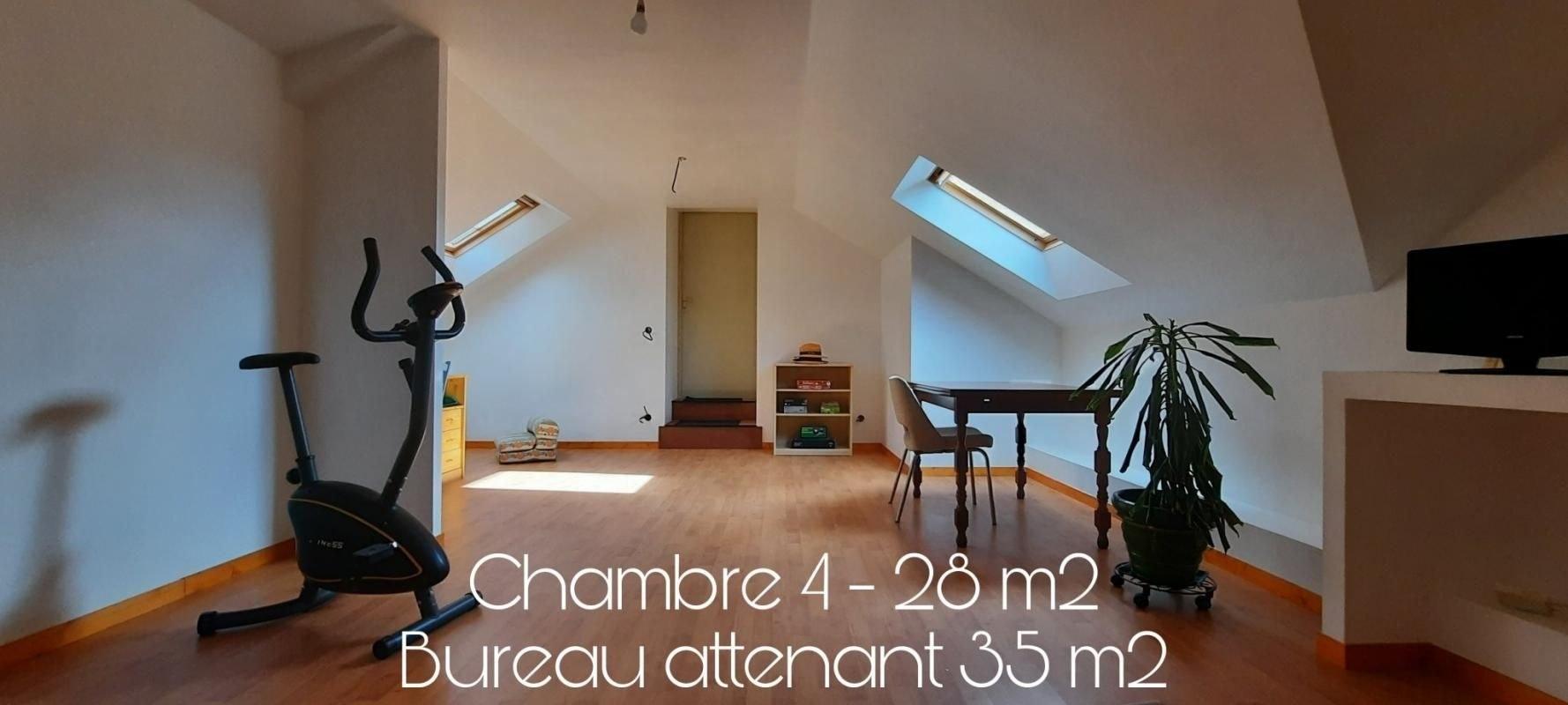 A 8 min de Vay - 15 min de Nozay ! MAISON 190 m2 et atelier