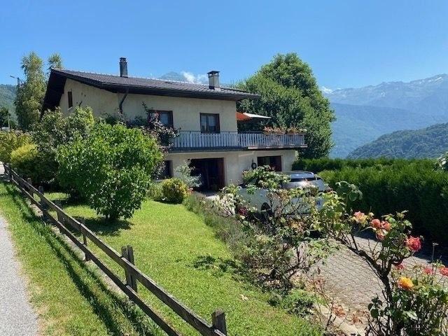 Grande maison familiale avec vue panoramique