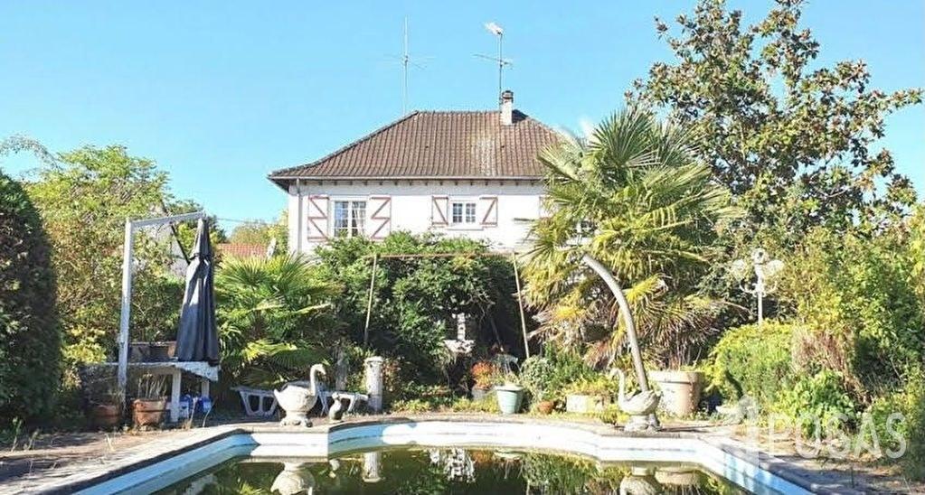 Maison avec piscine sur 1100 m2