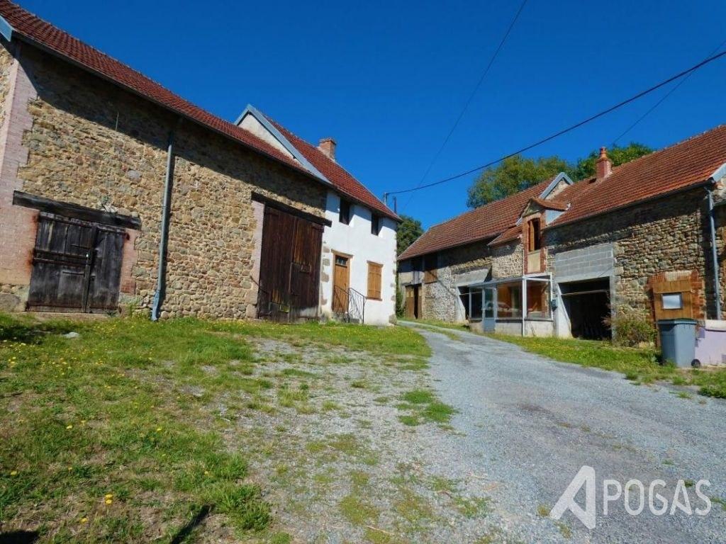 Deux maisons avec dépendances et terrain 2000 m2