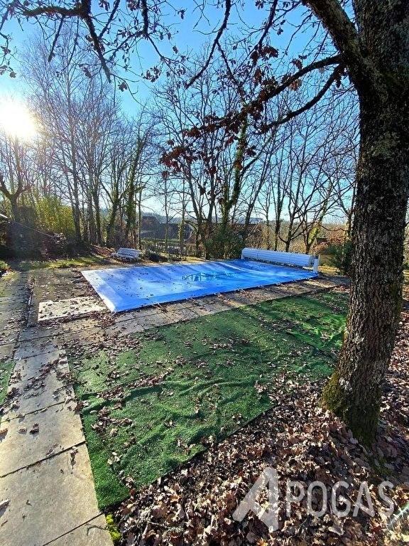 Maison plain-pied avec piscine sur 3220 m2 de terrain boisé