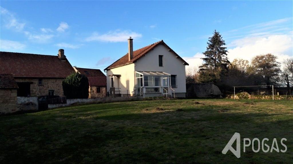 Maison et ses dépendances sur terrain de 2200 m2