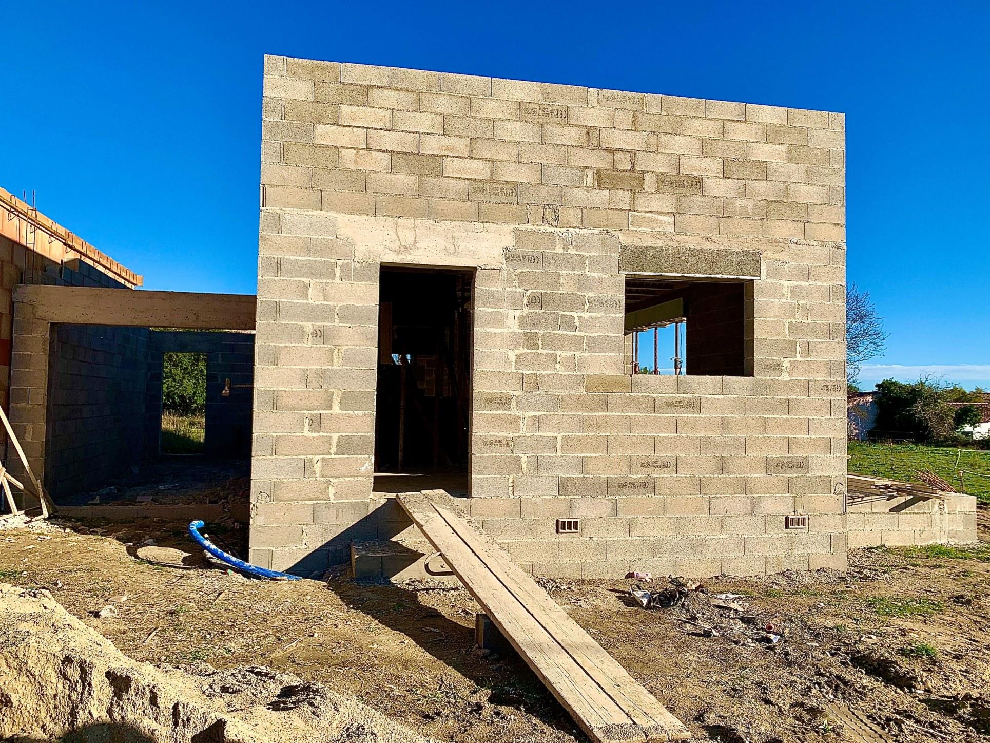 3eme étapes : L'élévation des murs