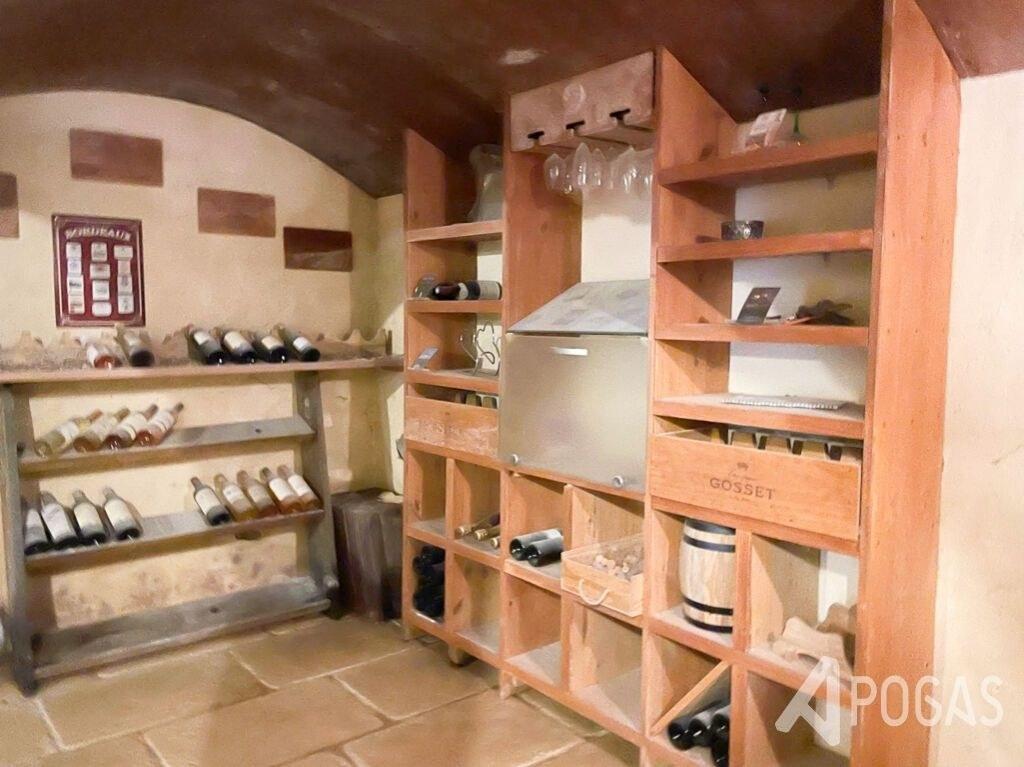 Villa Malemort 7 pièce(s) 195 m2 sur un parc d'environ 3000m2