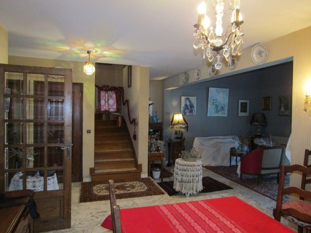 Maison 8 pièces 340 m² dont 220 habitables
