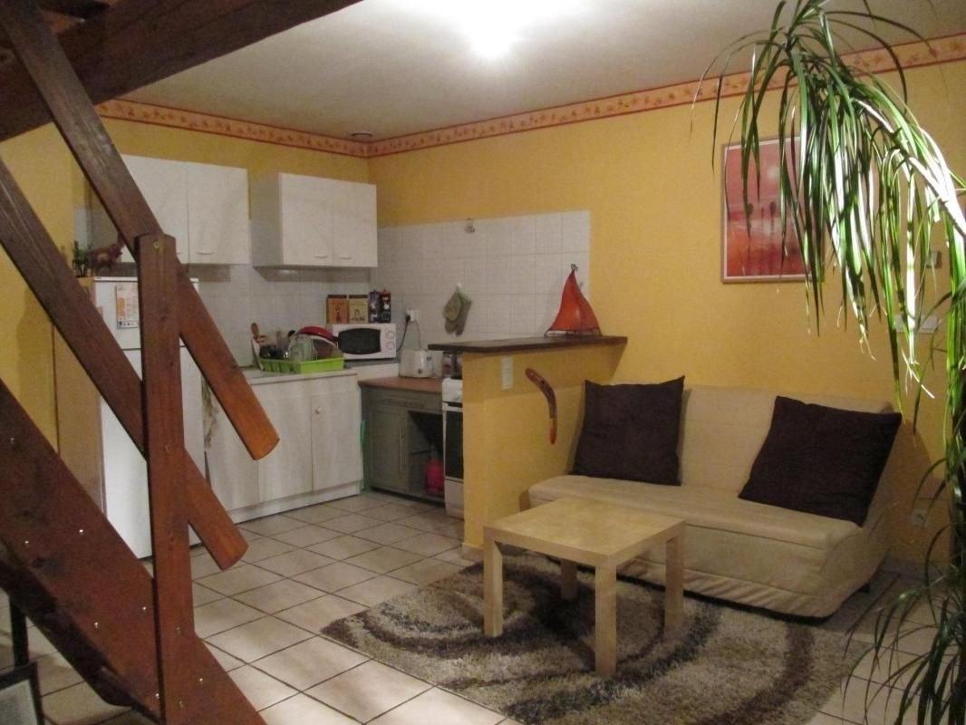 Appartement T2 duplex au centre du village