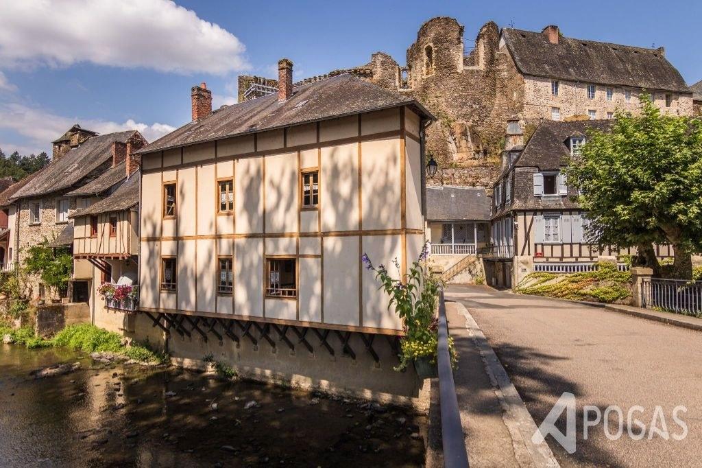 Maison Segur Le Chateau 6 pièce(s) 160 m2