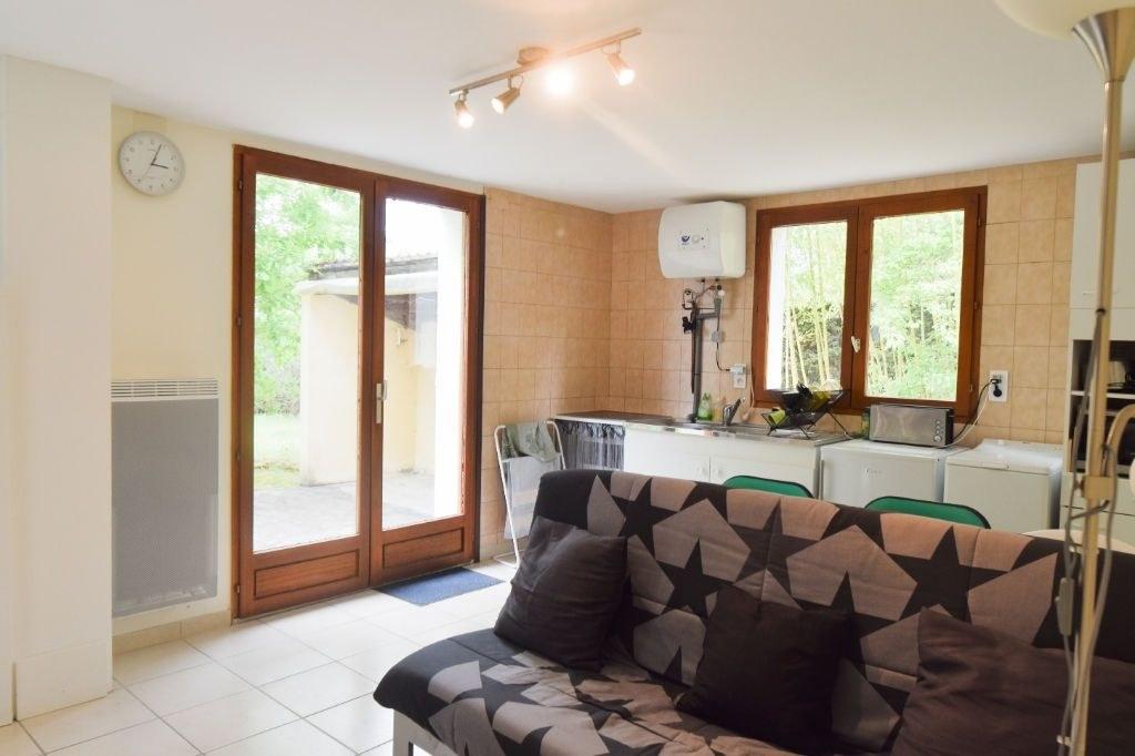 Maison Ussac 2 pièce(s) 100 m2 - 1900m2  de terrain