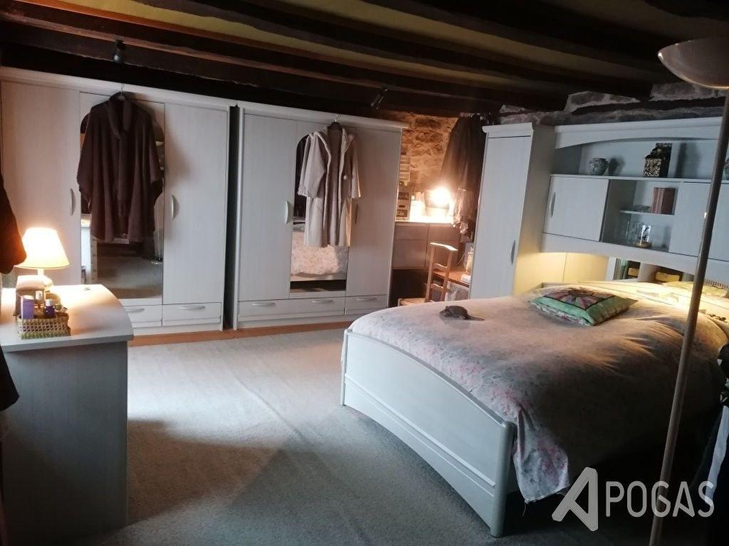 Maison en pierre - 5 pièces de 115 m2 environ